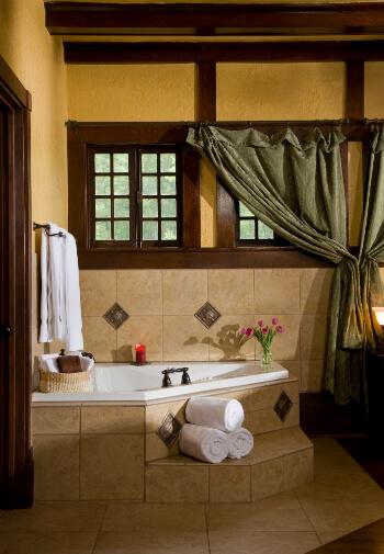 Oak suite two person jacuzzi tub