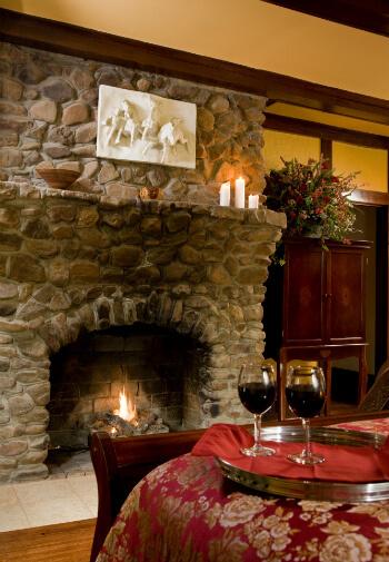 Oak suite gas fireplace
